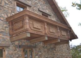 dubovy-balkon-s-rezbami_DSC_3980
